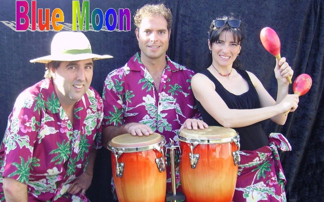 Trio Blue Moon: Beach Party!